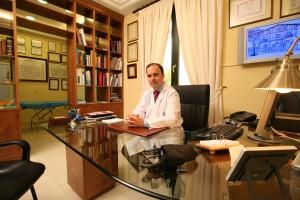 El doctor Fernando Urdiales, uno de los 50 médicos más recomendados de España
